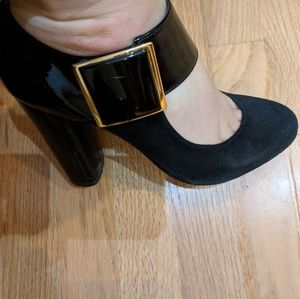 Sexy Tory Burch black buckle shoes/heels!!!